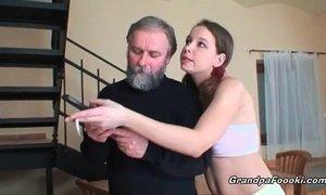 Super sexy babe sucks grandpa's cock xVideos