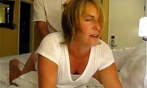 Mommy pulled by the hair during rough sex