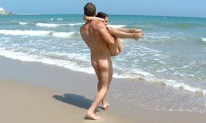 Young tourist get pounded on the beach Beeg