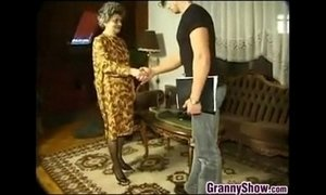 Granny Having Sex With A Young Guy xVideos