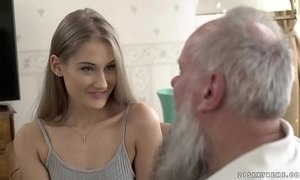Teen beauty vs old grandpa - Tiffany Tatum and Albert xVideos