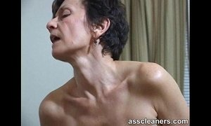 MILF facesits a man and got her ass hole cleaned and licked xVideos
