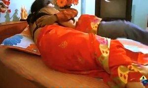 Indian desi aunty seducing fuck by boyfriend in bedroom xVideos