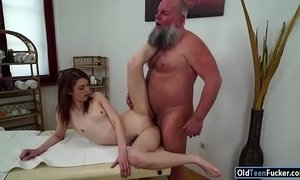 Czech Tera Link fingered by old masseur and sucking his cock xVideos