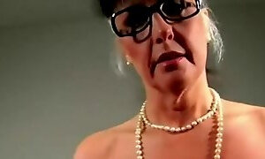 Pleasing aged lady play with her cunt