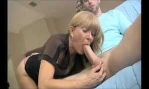 Hot Milf helping out Son's Friend LIVE On xxxmilf.pro