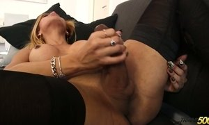 Big bottomed shemale Rayssa Barbie is jerking off her hard wang AnySex