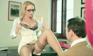 Kathia Nobili brought her pussy to Nick's desk Beeg