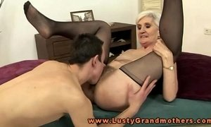 Blonde mature granny pussy eating xVideos
