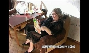 Reading Porn Makes This Mature Slut Horny xVideos