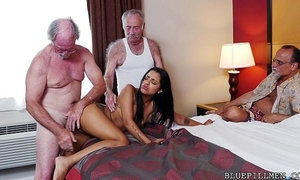 Staycation with a Latin Hottie xVideos