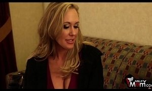 Brandi Love screams as she gets her tight cunt nailed hard - xxxmilf.pro xVideos
